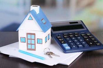 maison et calculatrice
